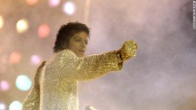 """""""THE KING OF POP"""""""
