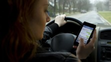SEXTING 130816103358-texting-and-driving-story-top