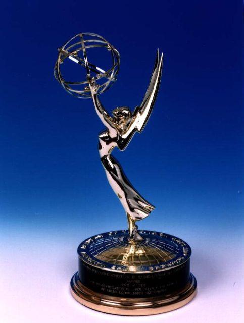 emmy_award_trophy_statue_01