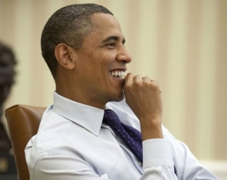 """A new CBS News poll has found that President Obama's approval rating has jumped seven points to reach its highest level in a year. Overall, President Obama is back on even ground with a split approval/disapproval rating of 46%/46%. The key to the president's shift in popularity is that his executive actions have been very popular with Independents. Obama has seen his approval increase by 11 points with Independents. According to CBS News, the president is also getting credit from the American people for the improving economy, """"Mr. Obama appears to be getting some credit for an improving economy."""
