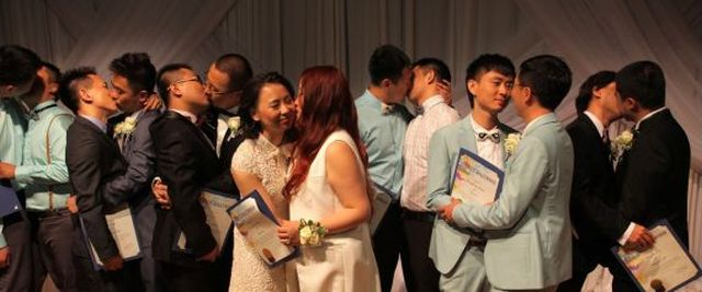 Same sex couples from china marry in West Hollywood, CA.  June 9, 2015. Photo credit:joshua Barash
