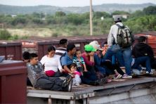 Central-American-migrants-July-2014-AP-