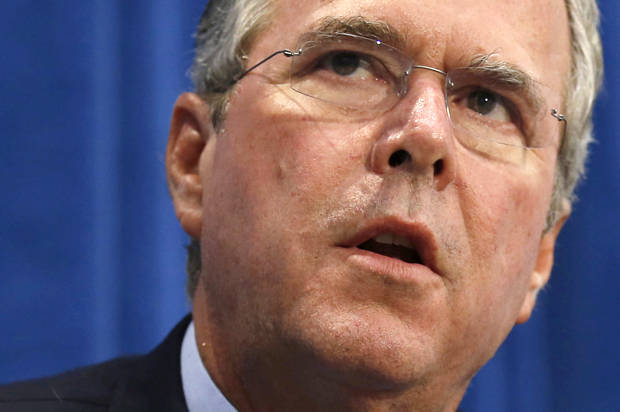 U.S. Republican presidential candidate Jeb Bush speaks at a campaign stop in Davenport, Iowa, United States, August 13, 2015. REUTERS/Jim Young - RTX1O7B4
