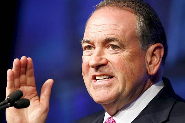 U.S. Republican presidential candidate Mike Huckabee speaks to the 42nd annual meeting of the American Legislative Exchange Council in San Diego, California July 23, 2015. REUTERS/Mike Blake - RTX1LKV5