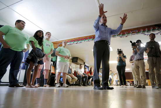 Republican presidential candidate Jeb Bush speaks during a campaign stop at the VFW post in Lancaster, New Hampshire July 23, 2015.    REUTERS/Brian Snyder - RTX1LK49