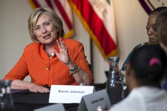 Democratic presidential candidate Hillary Clinton speaks at a Service Employees International Union roundtable on Home Care at Los Angeles Trade-Technical College in Los Angeles, California August 6, 2015. REUTERS/Mario Anzuoni - RTX1NE2J