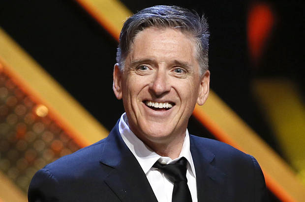 "Comedian Craig Ferguson accepts the Outstanding Game Show host award for his show ""Celebrity Name Game"" at the 42nd Annual Daytime Emmy Awards in Burbank, California April 26, 2015. REUTERS/Danny Moloshok - RTX1ADWC"