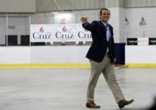 Republican presidential candidate, Sen. Ted Cruz, R-Texas, enters Kalamazoo Wings stadium during a campaign stop, Monday, Oct. 5, 2015, in Kalamazoo, Mich. (AP Photo/Carlos Osorio)