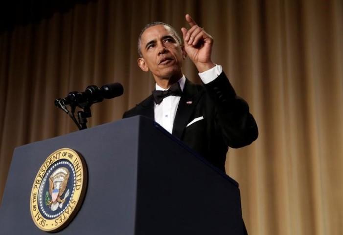 U.S. President Barack Obama speaks at the White House Correspondents Association's annual dinner in Washington, U.S., April 30, 2016. REUTERS/Yuri Gripas
