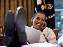 obama-feet-desk-701x526