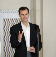 Syria's President Bashar al-Assad stands next to his wife Asma, as he addresses injured soldiers and their mothers during a celebration marking Syrian Mother's Day in Damascus, in this handout picture provided by SANA on March 21, 2016. REUTERS/SANA/Handout via Reuters ATTENTION EDITORS - THIS PICTURE WAS PROVIDED BY A THIRD PARTY. REUTERS IS UNABLE TO INDEPENDENTLY VERIFY THE AUTHENTICITY, CONTENT, LOCATION OR DATE OF THIS IMAGE. FOR EDITORIAL USE ONLY. NOT FOR SALE FOR MARKETING OR ADVERTISING CAMPAIGNS. THIS PICTURE IS DISTRIBUTED EXACTLY AS RECEIVED BY REUTERS, AS A SERVICE TO CLIENTS TPX IMAGES OF THE DAY