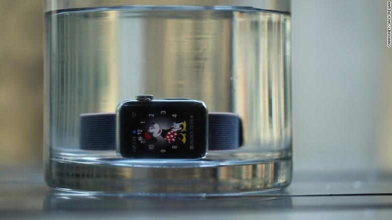 160916144948-apple-watch-series-2-780x439