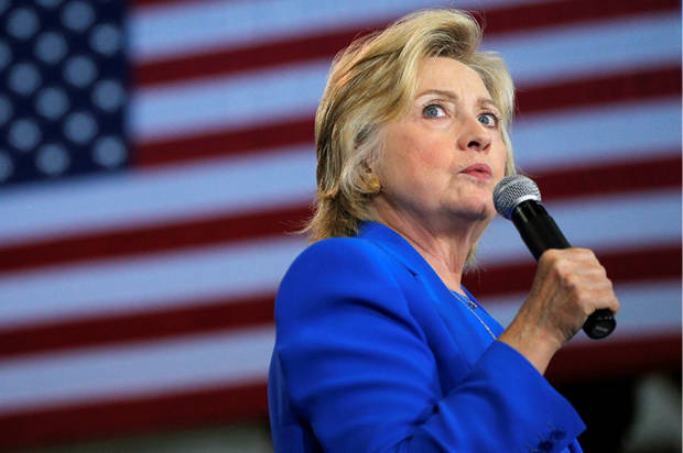 U.S. Democratic presidential candidate Hillary Clinton speaks at a campaign voter registration event at Johnson C. Smith University in Charlotte, North Carolina, United States September 8, 2016. REUTERS/Brian Snyder - RTX2OPDO